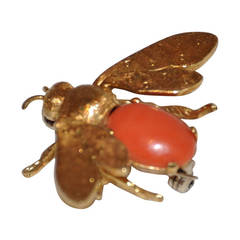 18K Florentine Finish Bee Accented with Coral Brooch