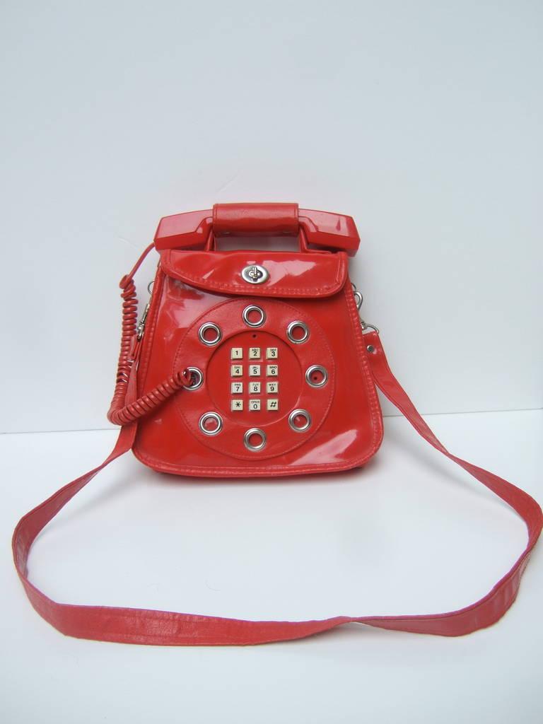 1970s Avant Garde Mod Red Vinyl Telephone Handbag In Fair Condition For Sale In Santa Barbara, CA