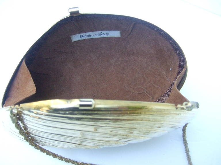 Opulent Gilt Metal Clam Shell Evening Bag Made in Italy c 1970 7