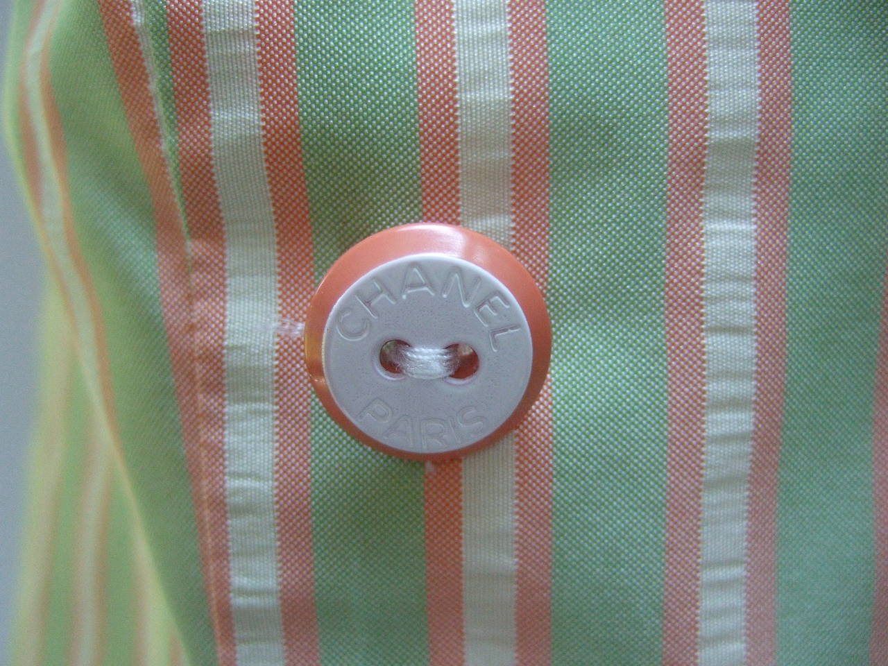 Chanel Striped Silk Sleeveless Blouse with Chanel Buttons Size 38 In Excellent Condition For Sale In Santa Barbara, CA