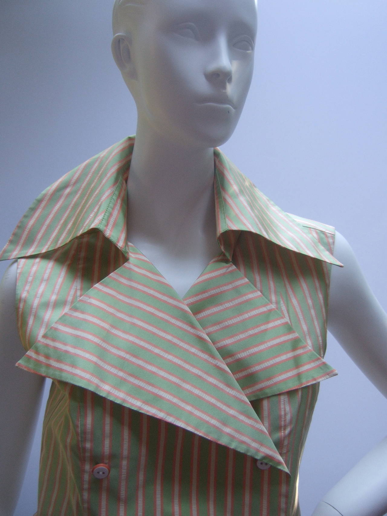 Gray Chanel Striped Silk Sleeveless Blouse with Chanel Buttons Size 38 For Sale