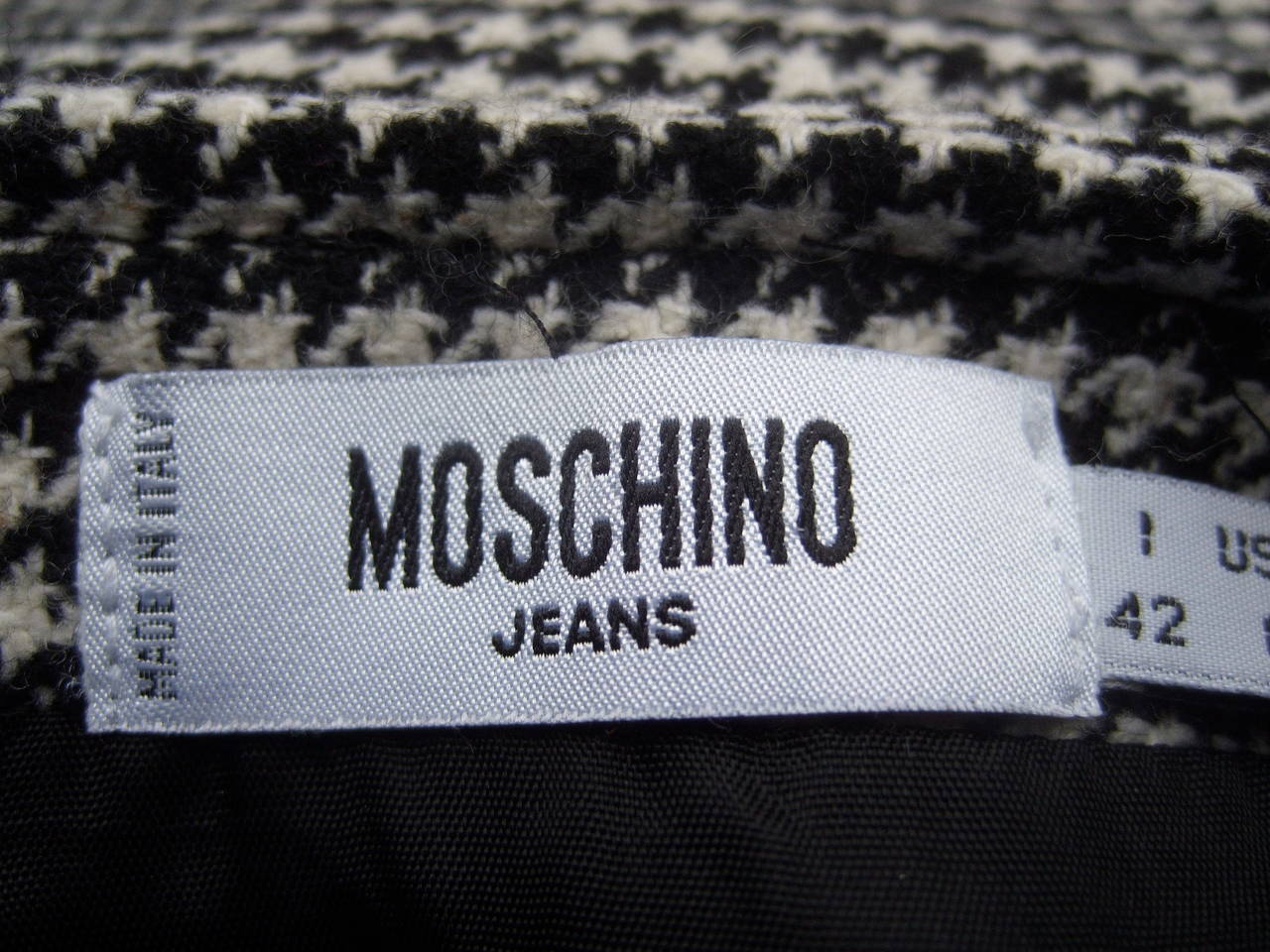 Moschino Mod Op Art Lolita Hounds Tooth Wool Skirt US Size 8 Made in Italy For Sale 3