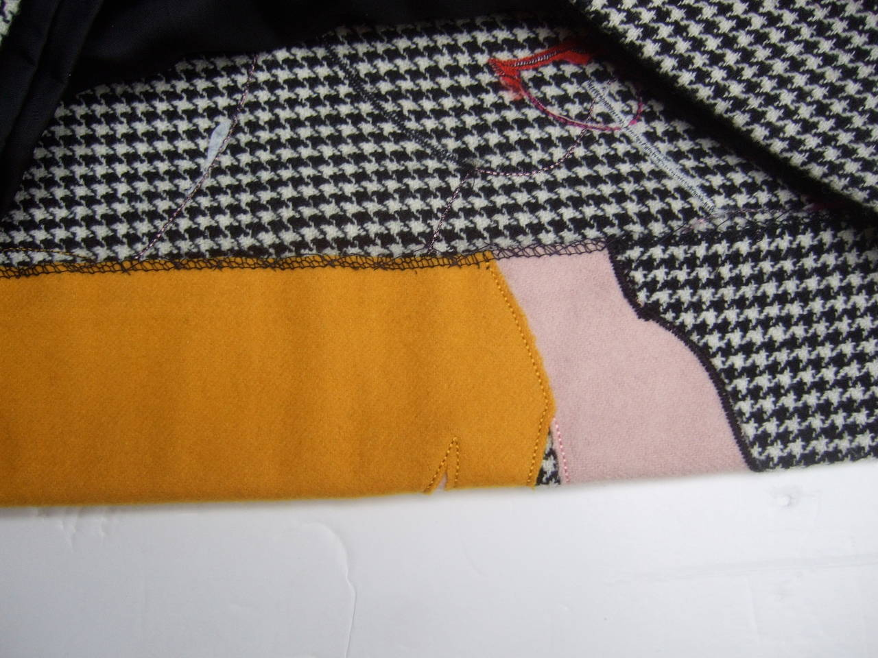 Moschino Mod Op Art Lolita Hounds Tooth Wool Skirt US Size 8 Made in Italy For Sale 5