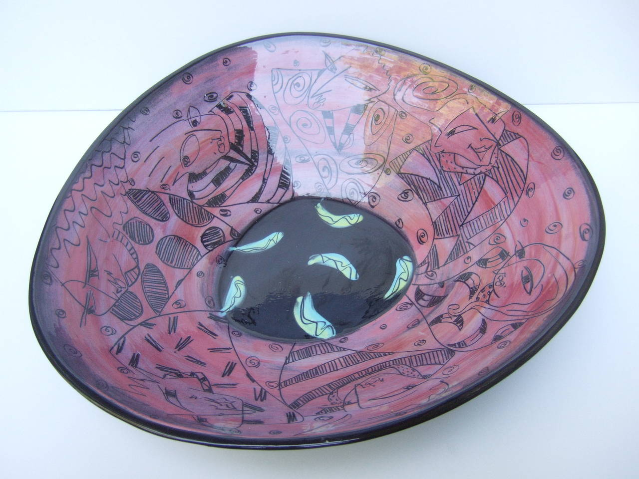 Artisan Ceramic Illustrated Bowl Designed by Odell  c 1995 For Sale 1