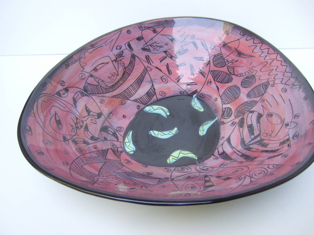 Artisan ceramic illustrated bowl designed by Odell c 1995
