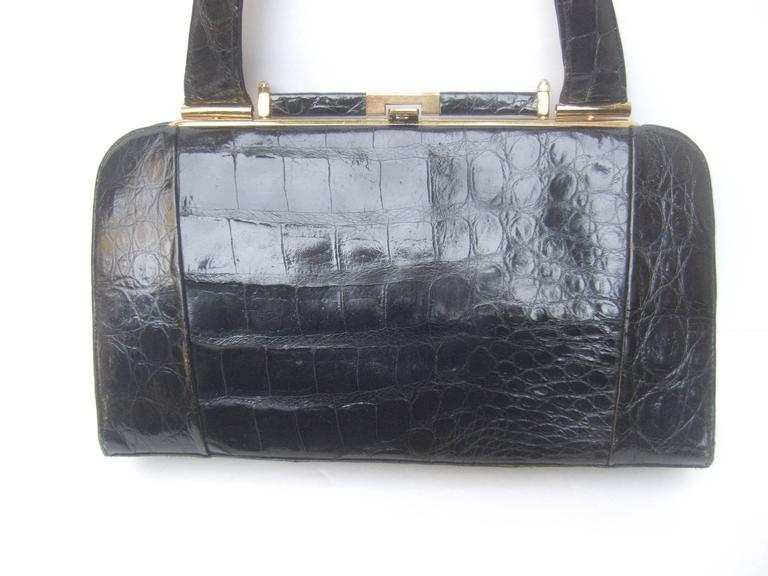Sleek Ebony Alligator Vintage Handbag ca 1960 In Good Condition For Sale In Santa Barbara, CA