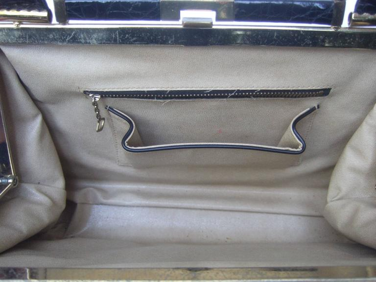 Sleek Ebony Alligator Vintage Handbag ca 1960 For Sale 3