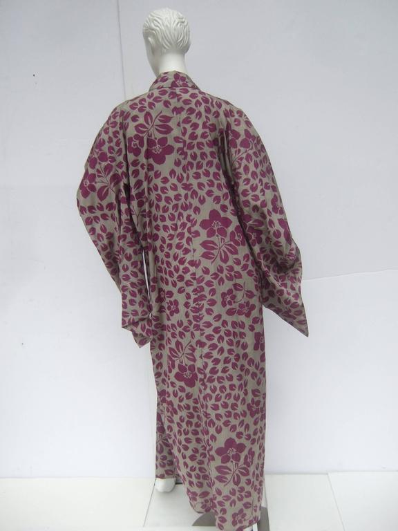 Japanese Style Flower Print Kimono Robe c 1970s For Sale 2