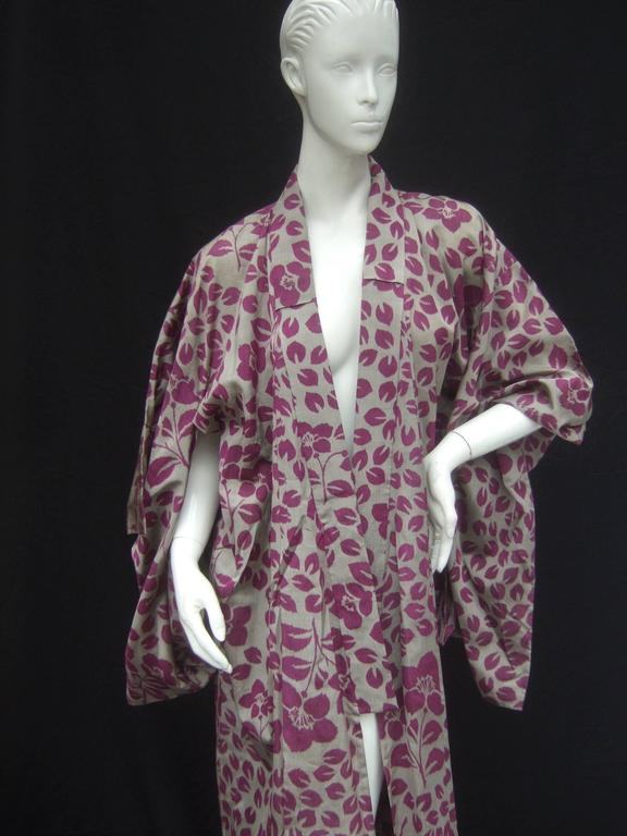 Japanese Style Flower Print Kimono Robe c 1970s 10