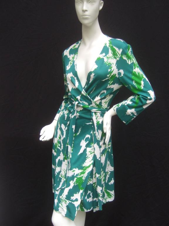 Diane Von Furstenberg Silk Print Wrap Dress The Iconic 1970s Style Got