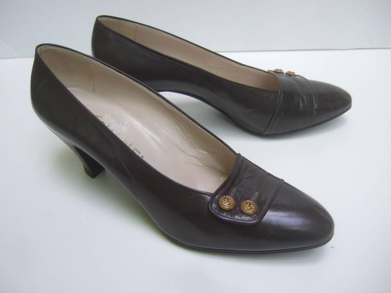Black Chanel Classic Gray Brown Leather Pumps ca 1980s