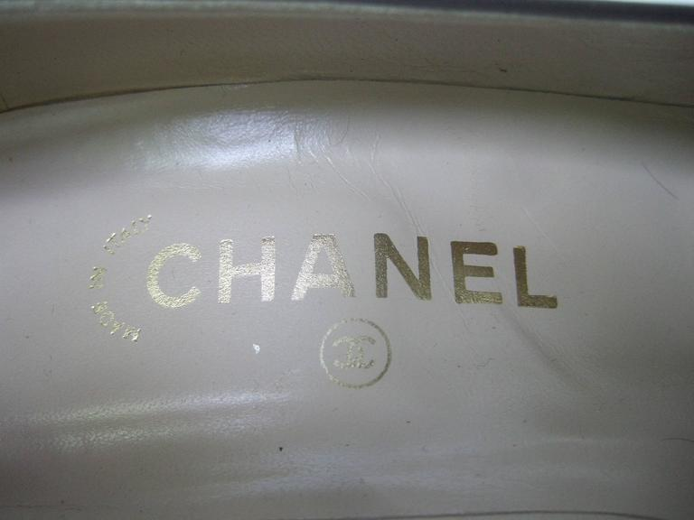 Chanel Classic Gray Brown Leather Pumps ca 1980s 2