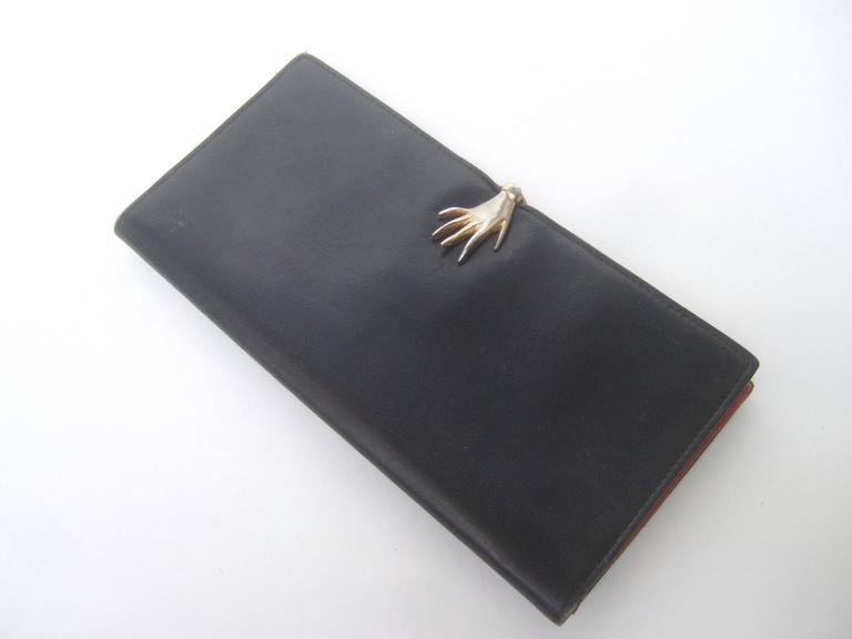 e4bcd9f5eae538 Gucci Rare Black Leather Hand Clasp Wallet c 1970s For Sale 2