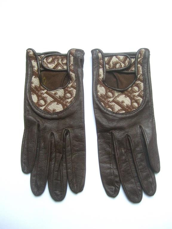 Christian Dior Chocolate Brown Leather Driving Gloves c 1970s For Sale 1