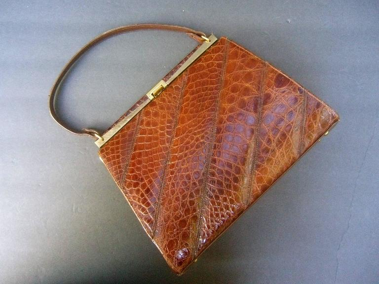 Chic Genuine Brown Alligator Handbag ca 1960  For Sale 3