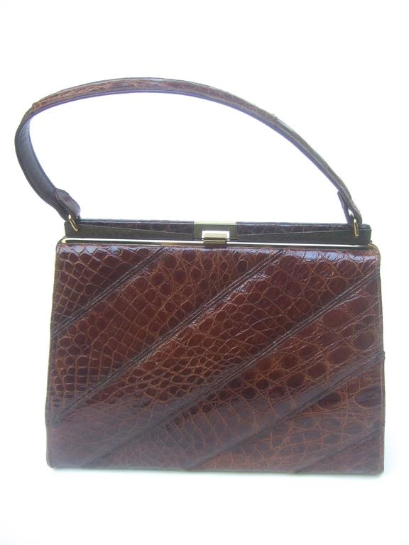 Chic Genuine Brown Alligator Handbag ca 1960  For Sale 5
