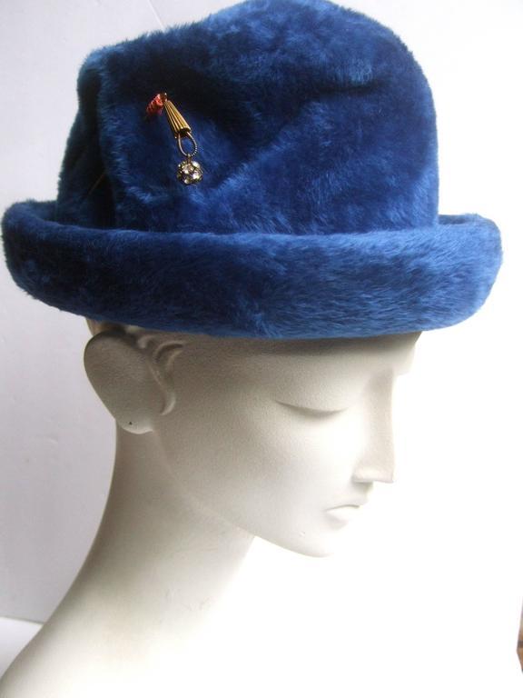 Schiaparelli Paris Fuzzy Blue Wool Hat ca 1960 In Excellent Condition For Sale In Santa Barbara, CA