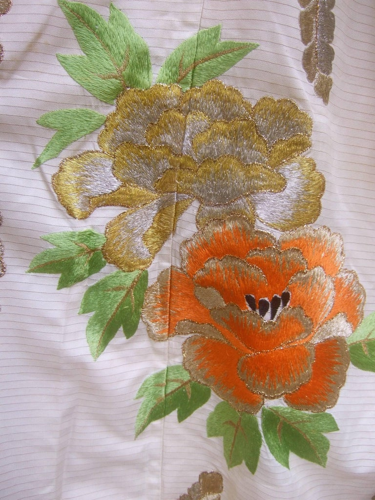 Spectacular Floral Hand Embroidered Japanese Kimono c 1970  6