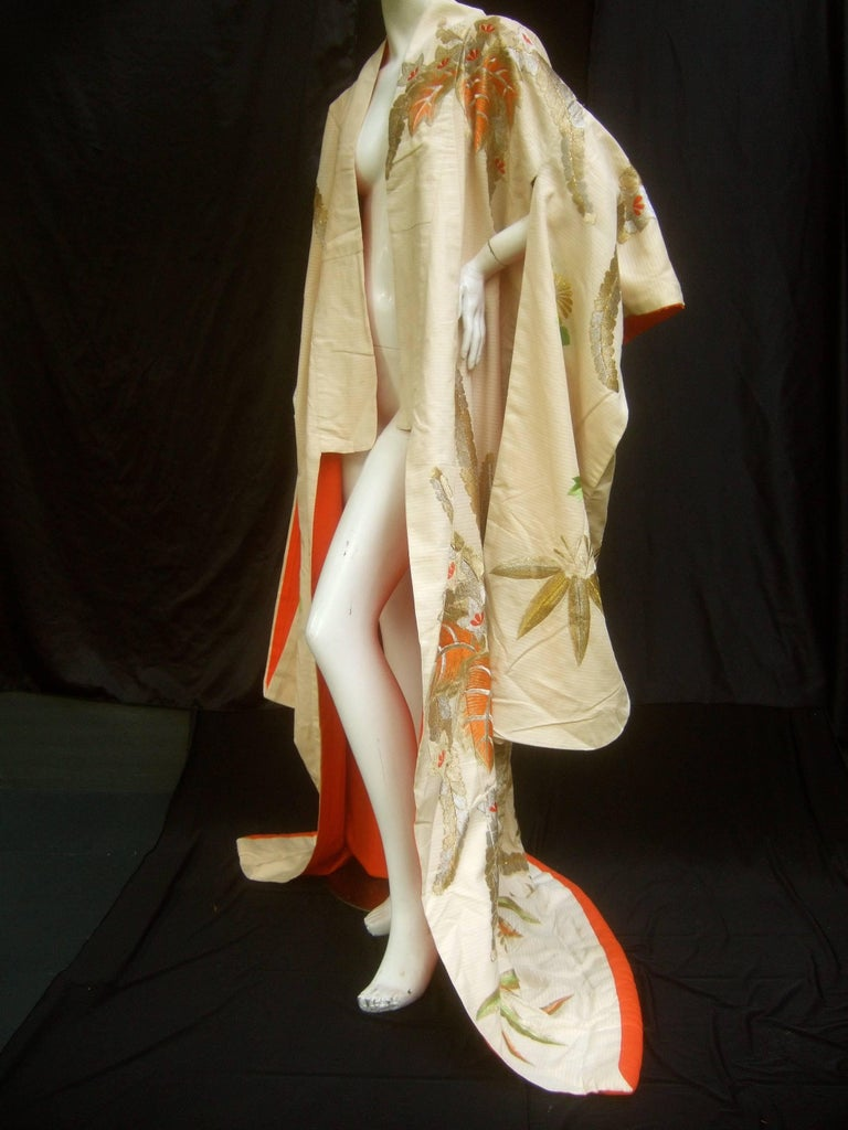 Spectacular Floral Hand Embroidered Japanese Kimono c 1970  9