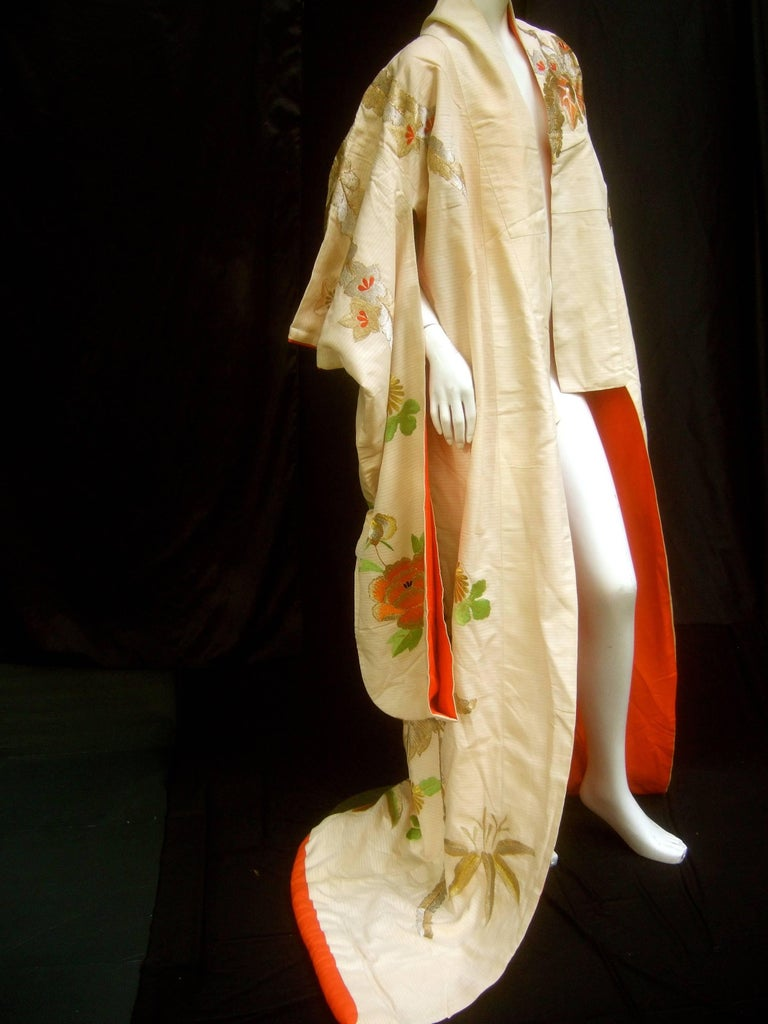 Spectacular Floral Hand Embroidered Japanese Kimono c 1970  For Sale 5