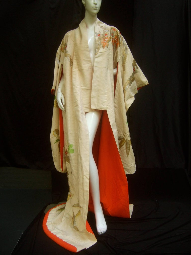 Spectacular Floral Hand Embroidered Japanese Kimono c 1970  For Sale 3