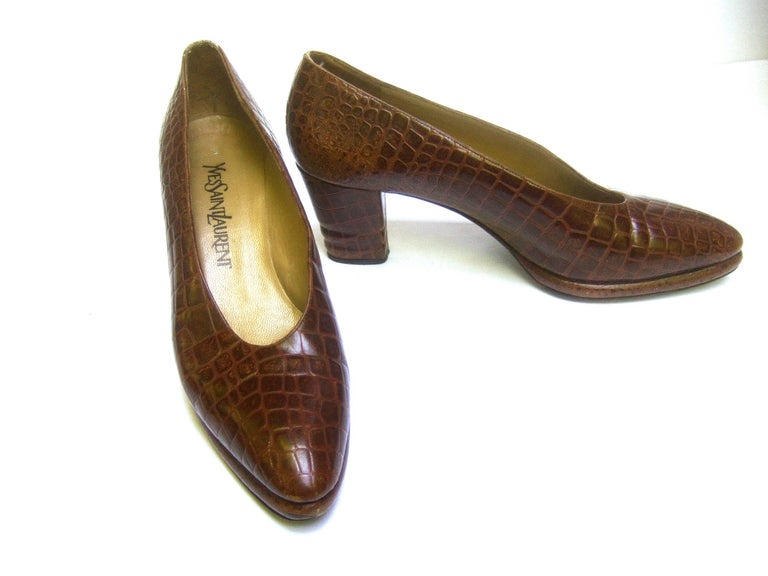 Women's Yves Saint Laurent Italian Embossed Brown Leather Pumps US Size 7.5 M For Sale