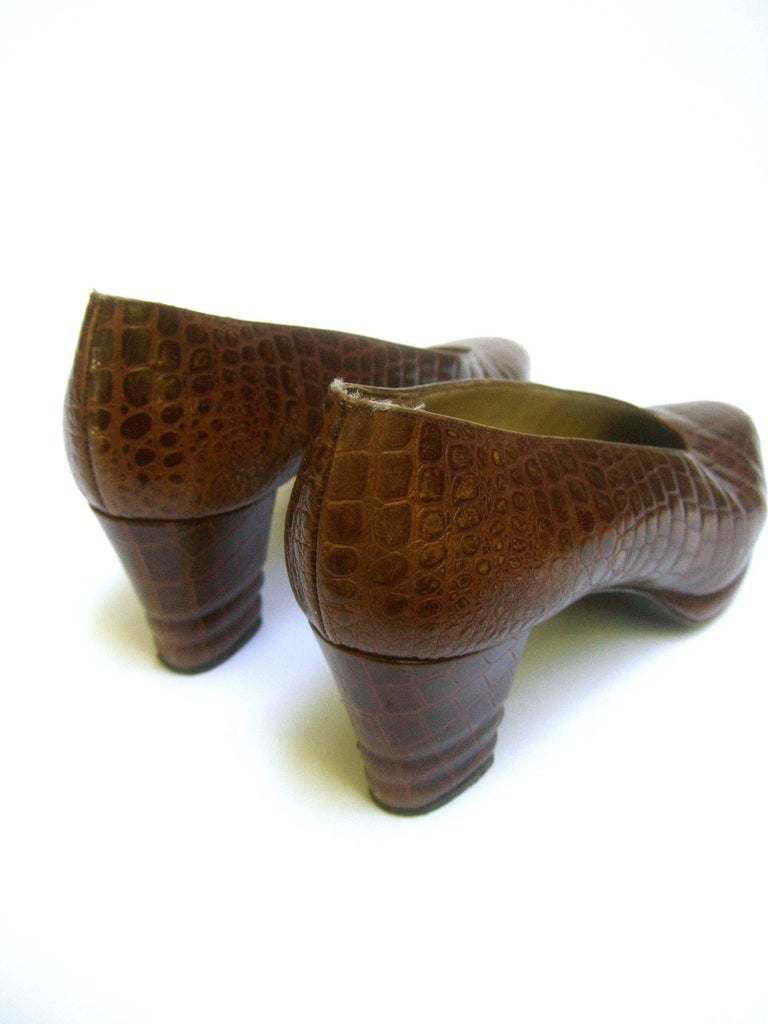 Yves Saint Laurent Italian Embossed Brown Leather Pumps US Size 7.5 M For Sale 4