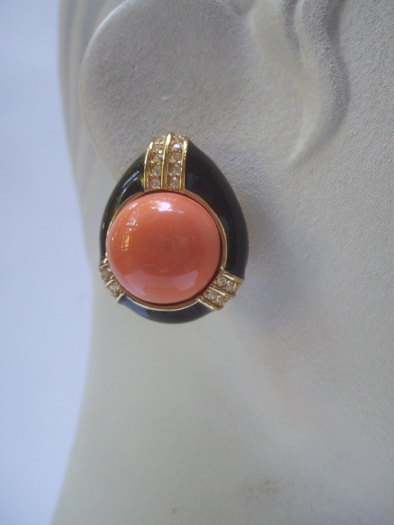 Ciner Coral Resin Jeweled Choker & Earring Ensemble circa 1980 For Sale 5