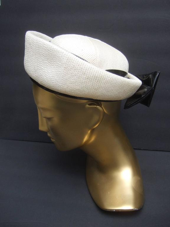 Lilly Dache Parisian Style Bow Trim Hat c 1970 In Excellent Condition For Sale In Santa Barbara, CA