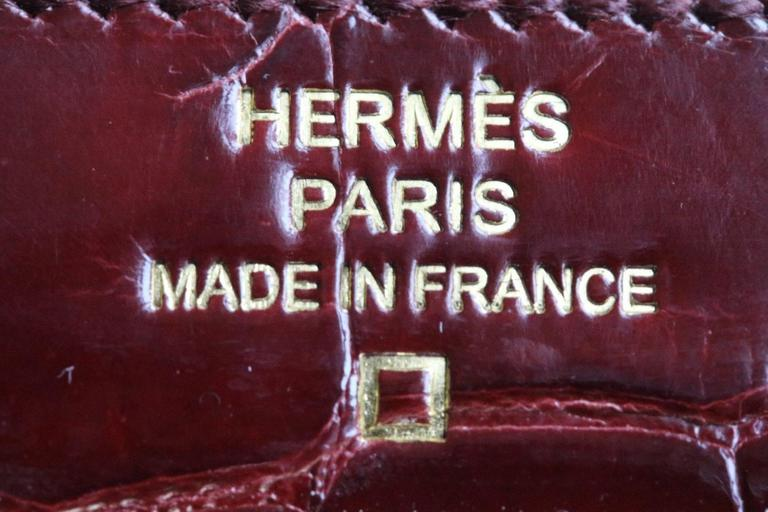 Hermès Kelly Croc Gold H/W Clutch Pochette Wallet In Excellent Condition For Sale In London, GB