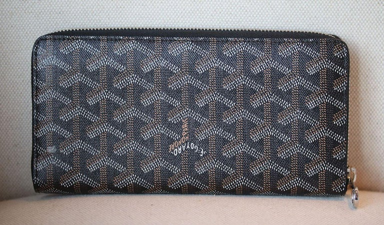 1c6e7db956b Goyard Monogrammed Goyardine Matignon Zip Around Gm Wallet At 1stdibs