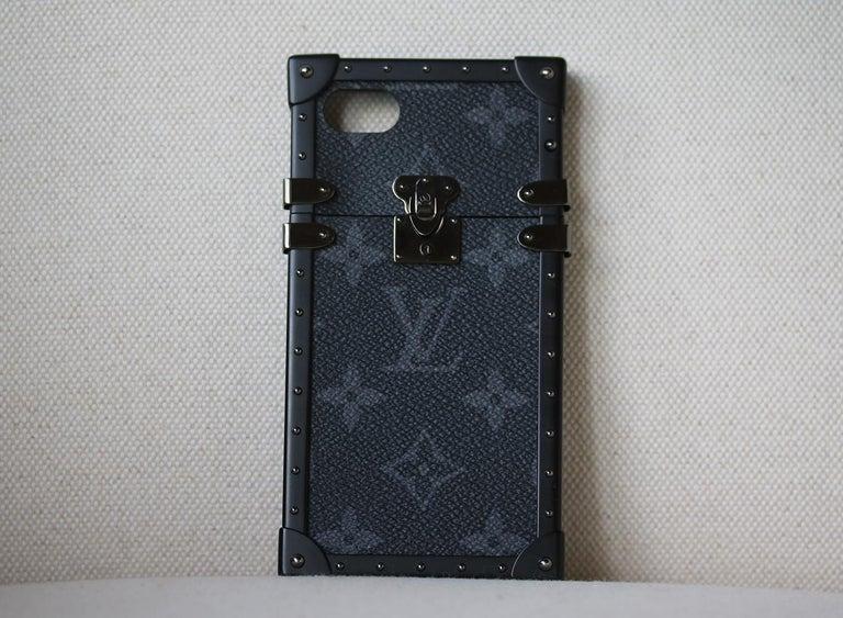 85bff4ea7c86 Louis Vuitton Monogram Eclipse Eye-Trunk iPhone 7 Plus Case. This stylish  case is