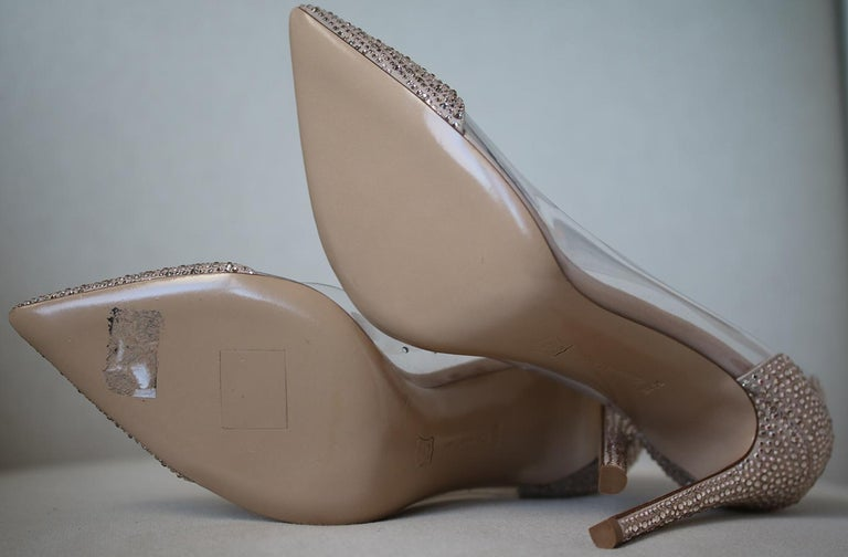 Women's Gianvito Rossi Calabria Crystal-Embellished Pumps For Sale