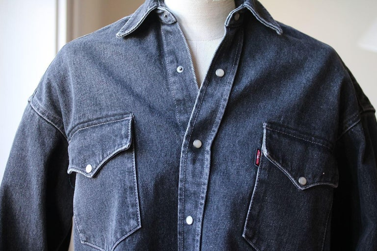 3fca391e9e7 Black Vetements + Levi s Oversized Denim Shirt For Sale