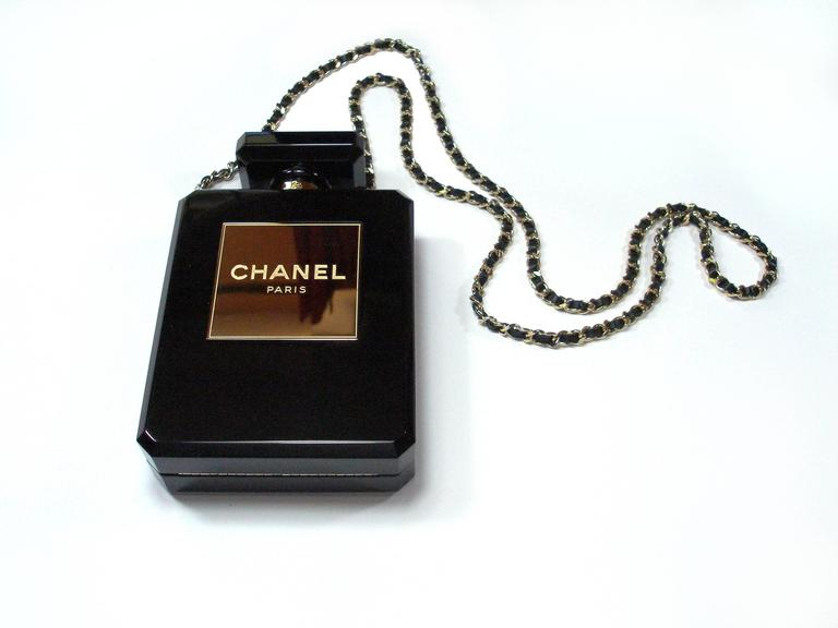 Chanel Black Perfume Bottle Bag Limited Edition / VERY RARE and COLLECTOR In Excellent Condition For Sale In VERGT, FR