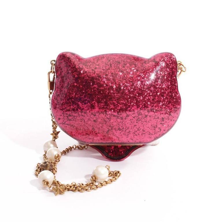 db130435307 RARE AND COLLECTOR Gucci Pink Glitter Plexiglass Cat at 1stdibs