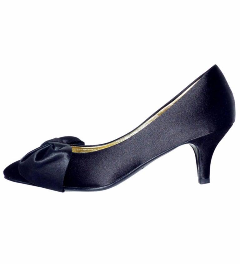 Chanel classique satin evening shoes Black satin / RARE / LIKE NEW  5