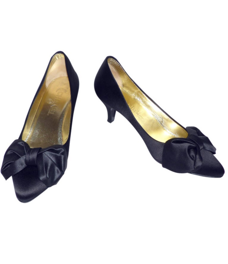Chanel classique satin evening shoes Black satin / RARE / LIKE NEW  6