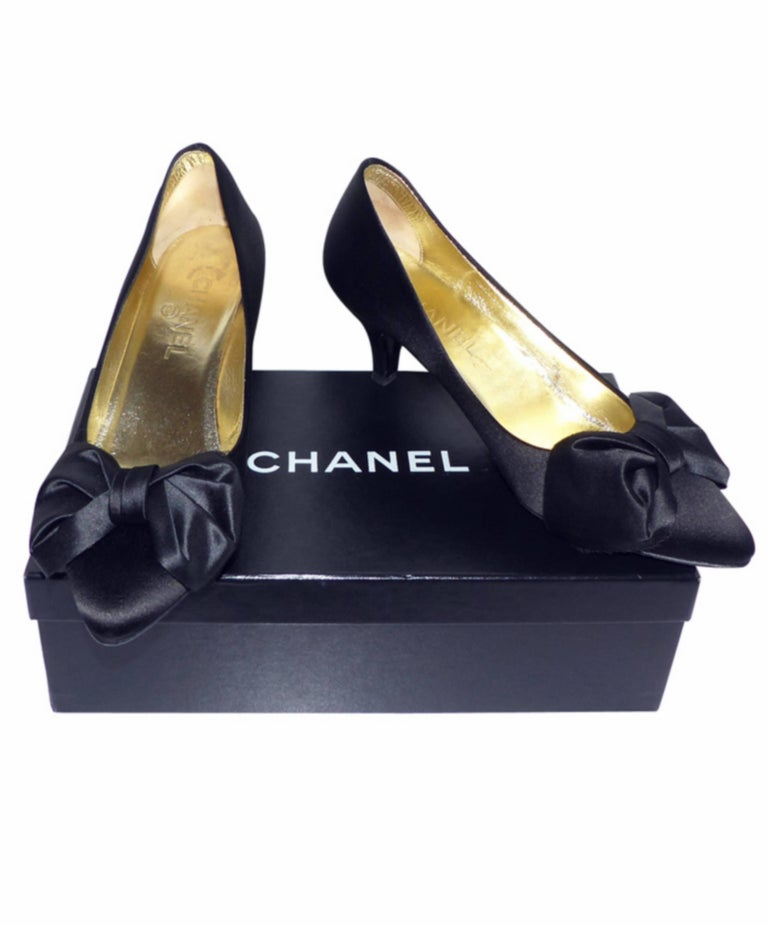 Chanel classique satin evening shoes Black satin / RARE / LIKE NEW  7