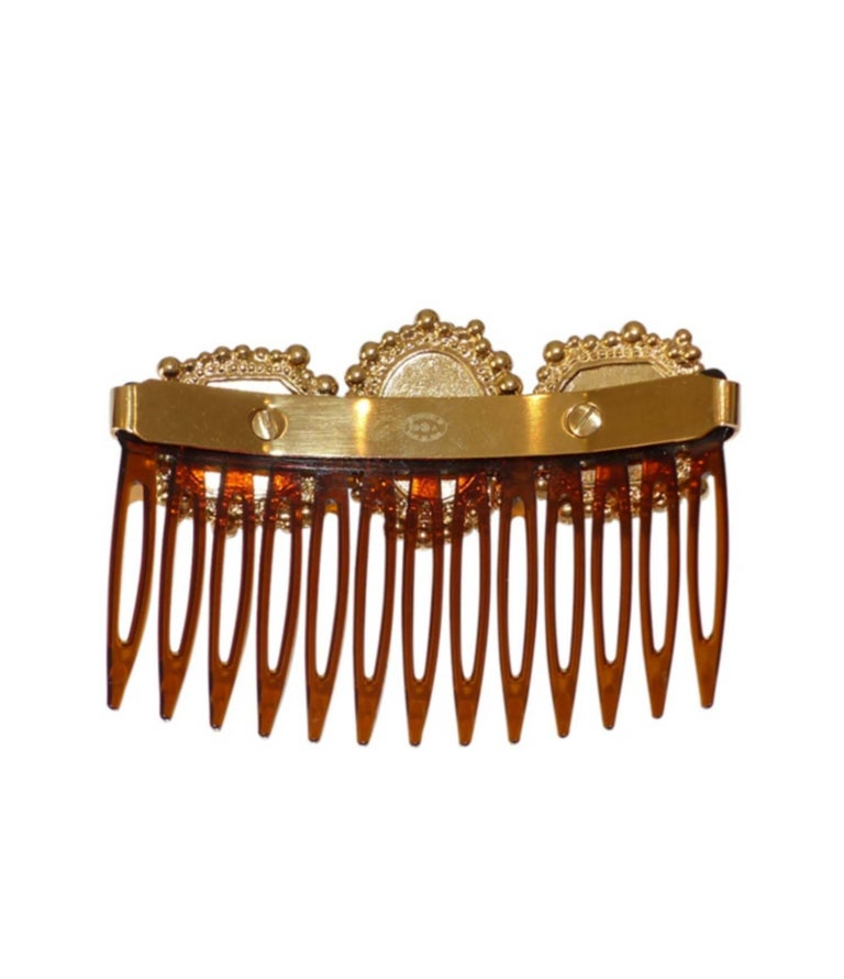 Rare Chanel Paris Edimbourg Hair Comb / LIKE NEW  In Excellent Condition For Sale In VERGT, FR