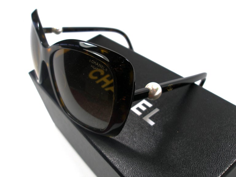 92da281babb3b Chanel Collection Perle Sunglasses   Like New at 1stdibs