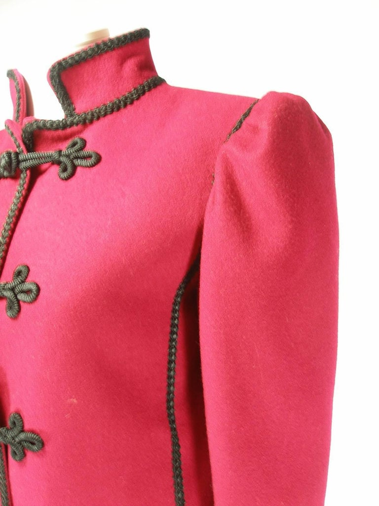 Circa 80's Yves Saint Laurent Russian Collection Wool Red Jacket Size FR40 US10 In Excellent Condition For Sale In VERGT, FR