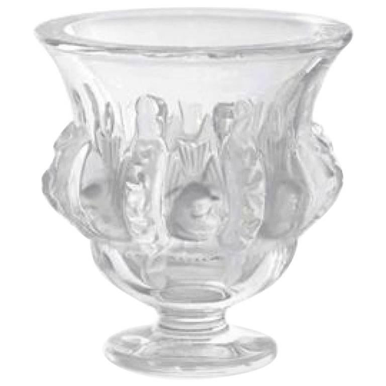 FAN-TAS-TIC and Classique Lalique Dampierre Vase Size height 12.2 cm / LIKE NEW  For Sale