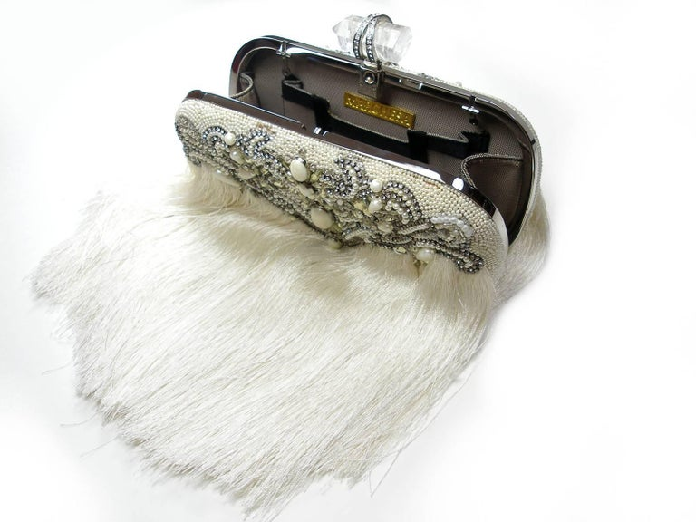 Couture Marchesa Lily Embroidered and Embellished White Fringed Beaded Clutch In Good Condition For Sale In VERGT, FR