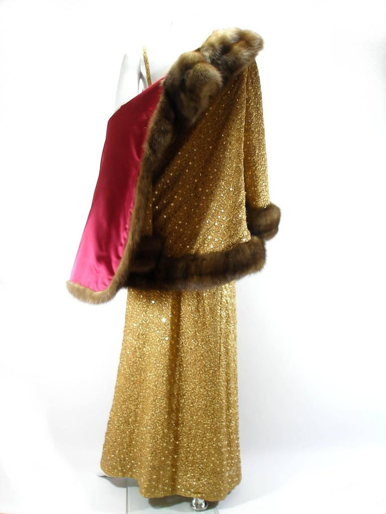 Chanel Haute Couture Vintage Suite Gold Cloque Embroidered Sequins, 1977  In Good Condition For Sale In VERGT, FR
