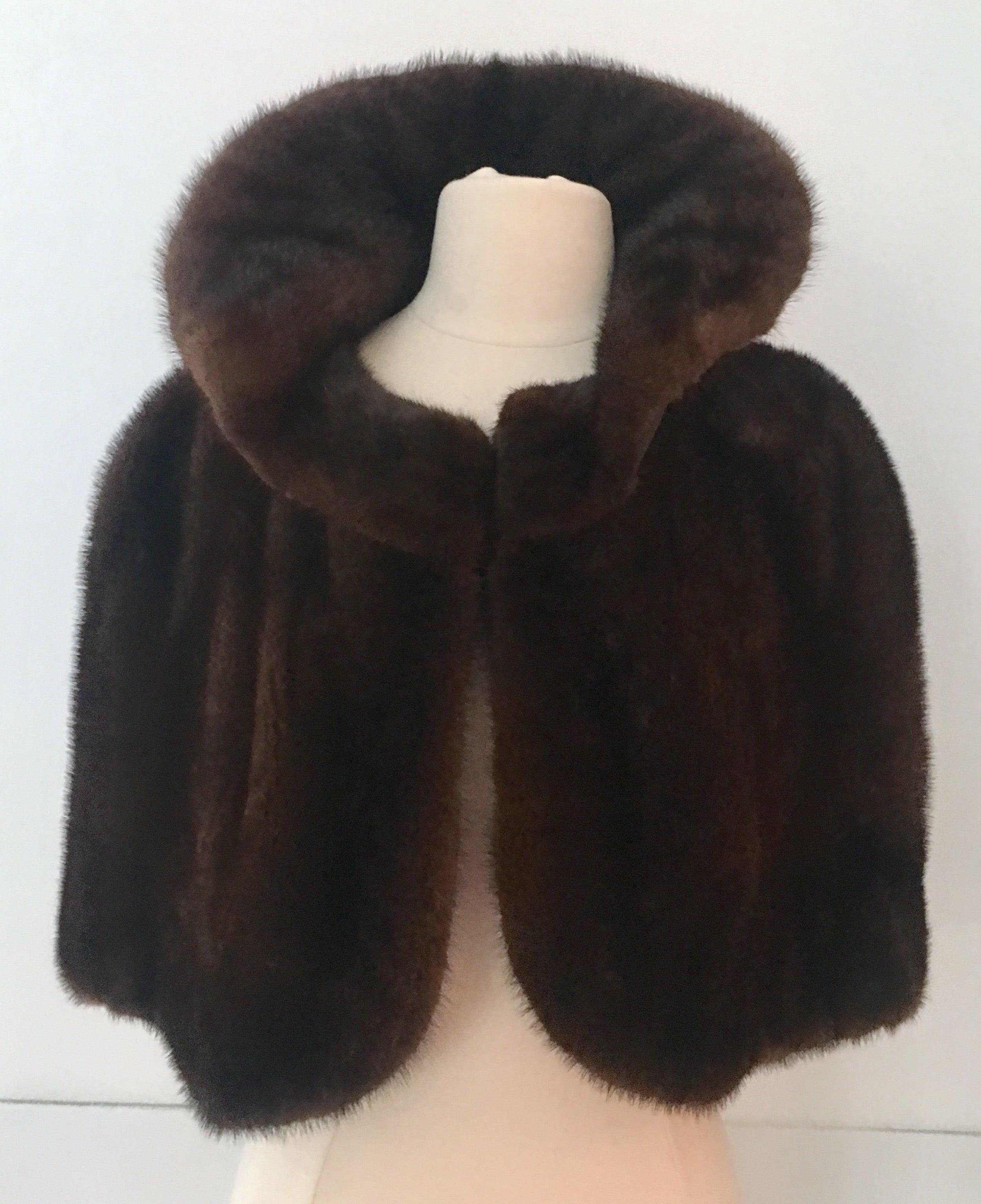 779d726f3f9 1950'S Chocolat Brown Mink Fur Capelet at 1stdibs