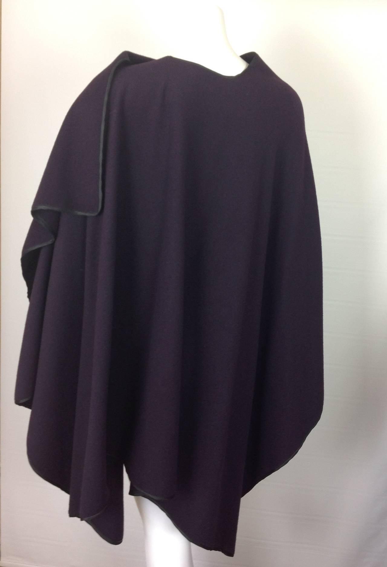 Capas Sesena violet poncho 3