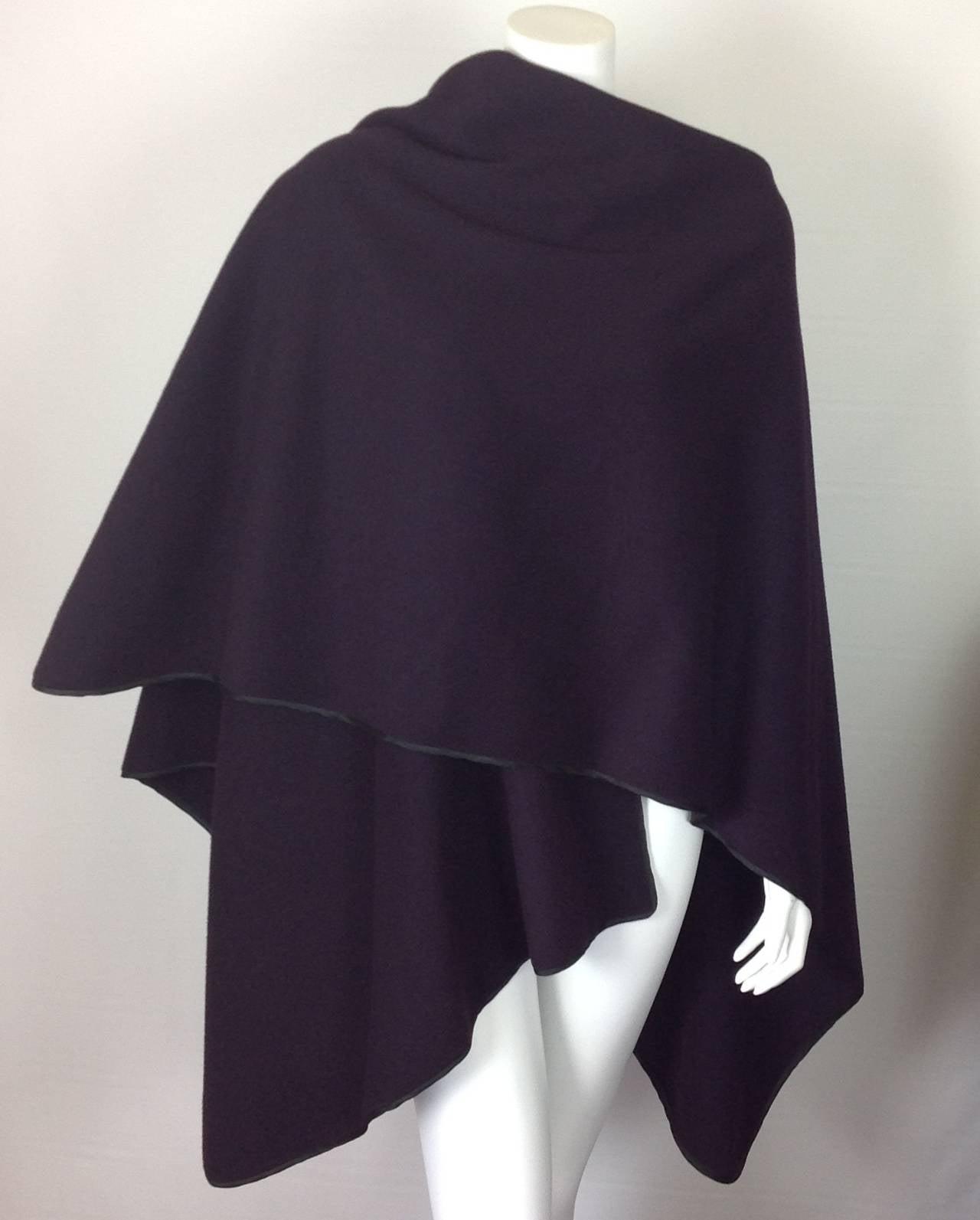 Capas Sesena violet poncho 4