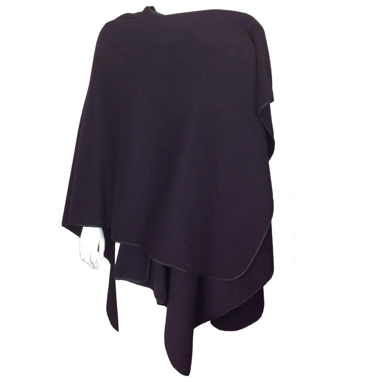 Capas Sesena violet poncho 1