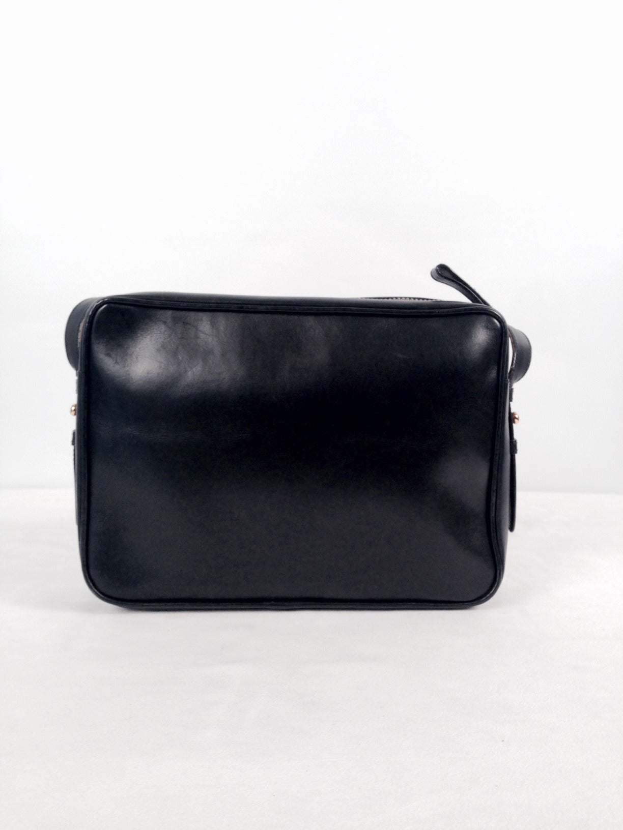 d13856887205 Vintage Gucci Black Leather Camera Bag In Excellent Condition For Sale In  Palm Beach, FL